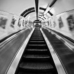 ciekawe zdjecia metra, najlepsze zdjecia metro, oryginalne zdjecia metro, ciekawe zdjecia londyn, najlepsze zdjecia londyn, najciekawsze zdjecia londyn, street photo, fotografia uliczna, zdjecia uliczne, artystyczna fotografia, zdjecia artystyczne, fotografia kreacyjna, zdjecia czarnobiale, fotografia czarno-biala, magia obrazu, fotografia anna bieniek, fotograf czechowice, kreatywny fotograf slask, artystyczne zdjecia slask, fotografia artystyczna,